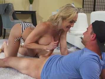 Madura excitada seduce a su hombre y termina bien follada