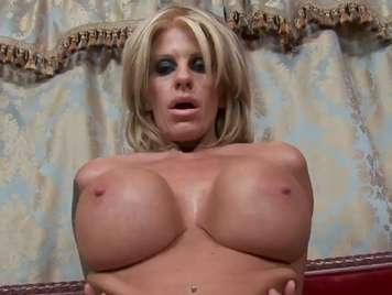 Große Brüste Sex mit dem Enden süchtig reifen verfugt