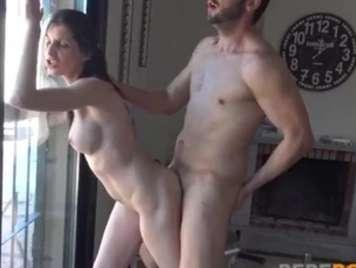Chica tetona española amateur follando en video porno