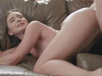 Sofà mi chica le gusta tener sexo en la sala