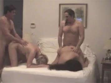 Cuarteto sexual entre parejas maduras