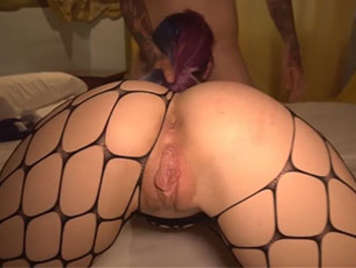 Lolita amateur española de coño depilado y jugoso quiere se actriz porno y folla como una puta profesional