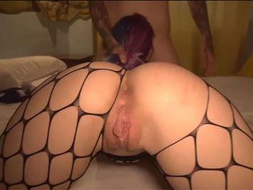 Lolita amatrice spagnola con figa rasata e succosa vuole un'attrice porno e scopa come una puttana professionista