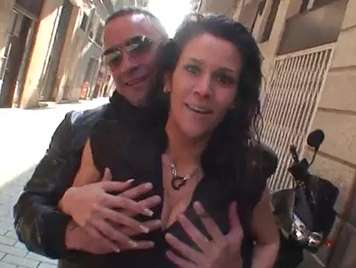Dinio follando con la española Samia Duarte