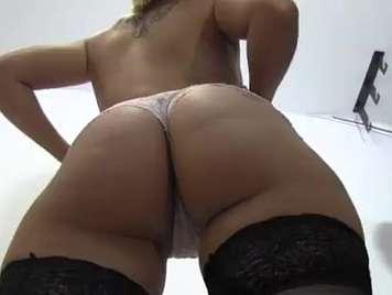 Silvana de tele5 garganta profunda en su primer video porno