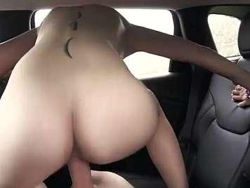 Coche sexo con una chica desconocida