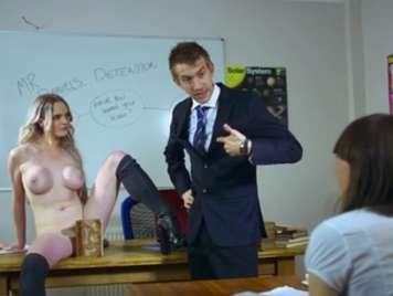 Se folla y hace correr a su profesor de matematicas