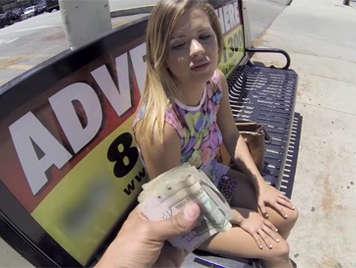 Hablando de dinero con camara gopro oculta