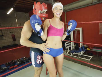 Esta deportista recibe clases de boxeo