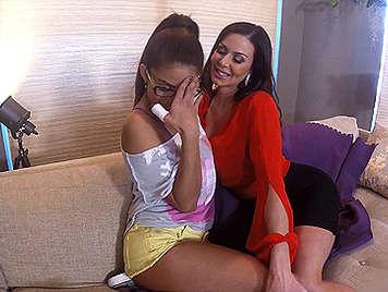 Kendra Lust se liga a la niñera