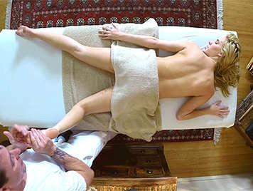Masajista con camara oculta en la consulta