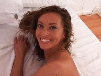Argentina preciosa disfruta el anal en una doble penetración