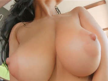 A large natural perfect tits to cum on them