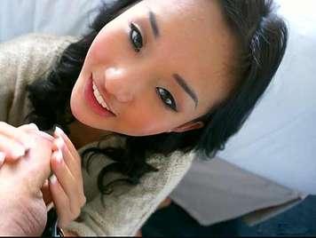 18 asiatische Mädchen Saugen Hahn und tun