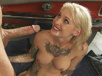 Tattooed superslut blonde fucks the mechanic to fix her car with priority