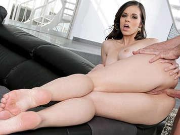 El primer anal de Nekane Sweet