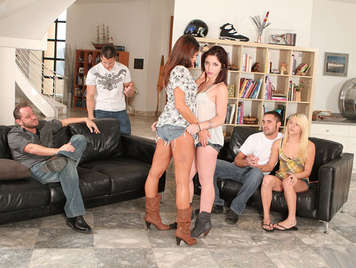 Eight hot Neighbors Swingers in a amateur hot orgy