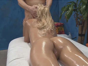 Sex with a lot of oil on the massage table