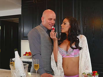 Posh Busty housewife get her husband at home with champagne, strawberries and a magnifies blowjob