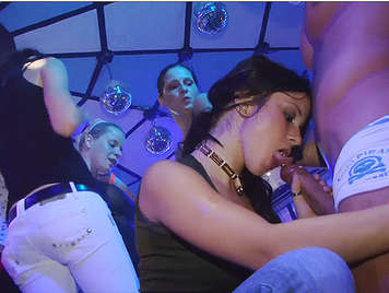 Despedida de solteras en una una sala de fiestas checa