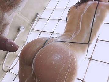 Nacho Vidal und Julia, polvazo in der Dusche