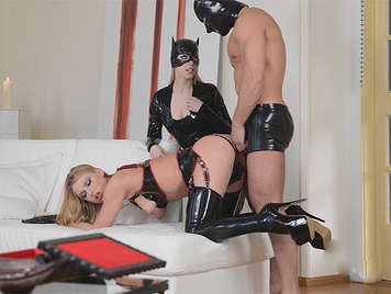 Extreme sex with a sex slave, who fucks up the ass, to a blonde demanding dominatrix, hardcore sex and black latex